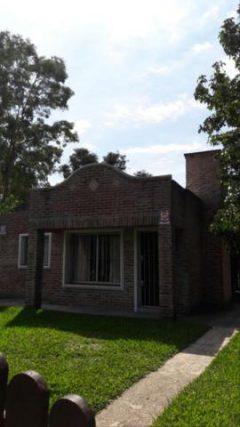 Excelentes Casas en Costa Azul-Uruguay-en 600 m2 terreno cercado